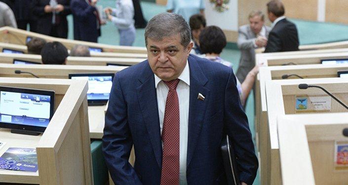 Vladimir Dzhabarov, vicepresidente della commissione Esteri del Consiglio della Federazione (foto d'archivio)