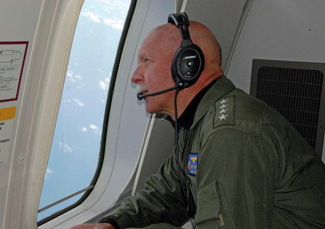 L'ammiraglio capo della flotta del pacifico americana, John Swift