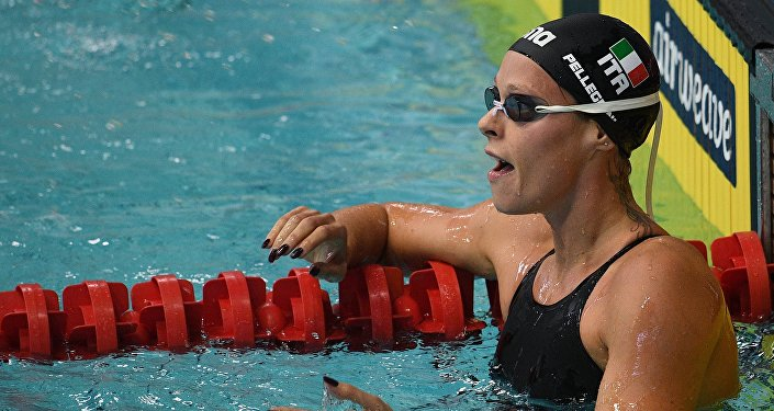 Federica Pellegrini nella vasca della piscina Olimpiskiy di Mosca