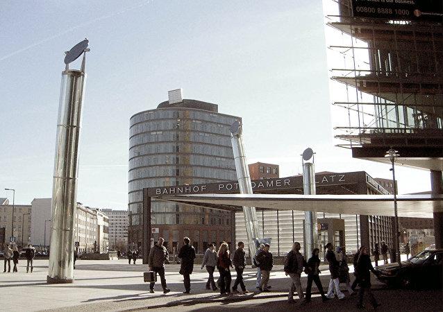 L'ingresso alla stazione della metropolitana berlinese di Potsdamer Platz