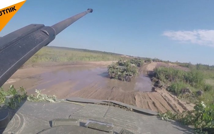 Esercitazioni dei parà in Russia