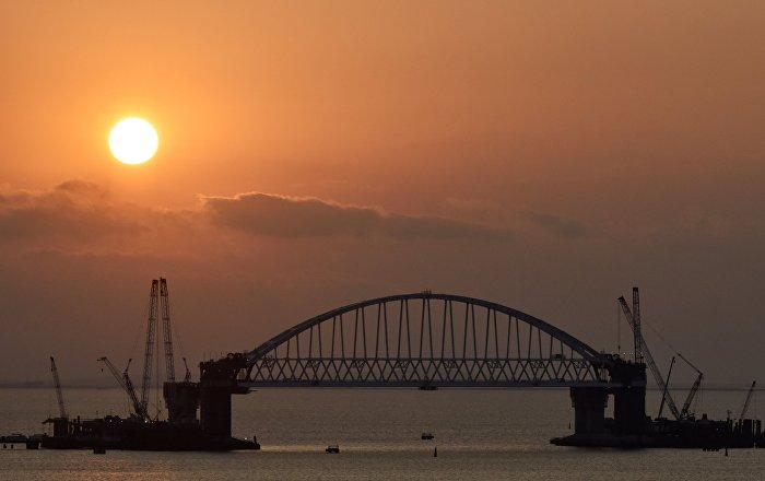 Ponte della crimea difeso da droni sottomarini sputnik for Ponte delle cabine di rapsodia dei mari 2