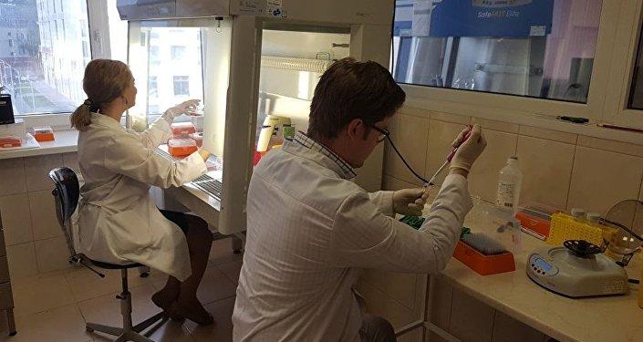 Nel laboratorio delle nuove forme di dosaggio del Centro RASA nella base di ricerca del Politecnico di Tomsk