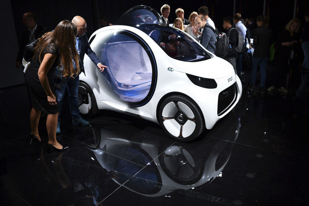 L'automobile Smart «Vision EQ» al Salone internazionale di auto a Francoforte, Germania.