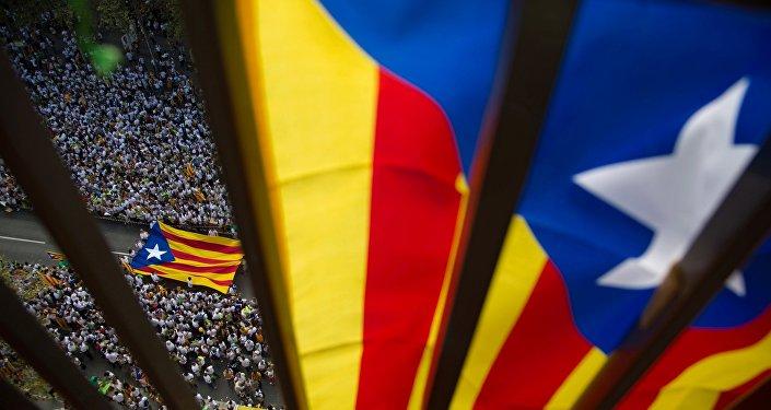 Catalogna, scatta l'arresto per Puigdemont e sette ministri: detenzione anche per Junqueras