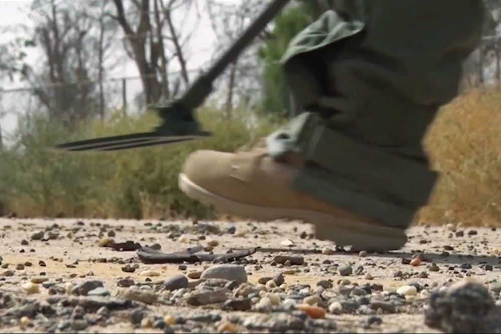 Specialisti russi sminano Deir ez-Zor.