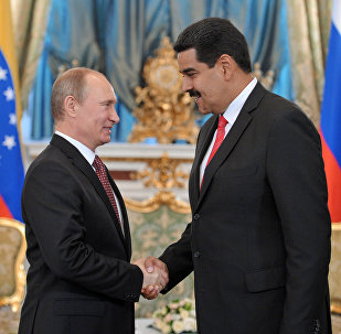 Vladimir Putin e Nicolas Maduro (foto d'archivio)