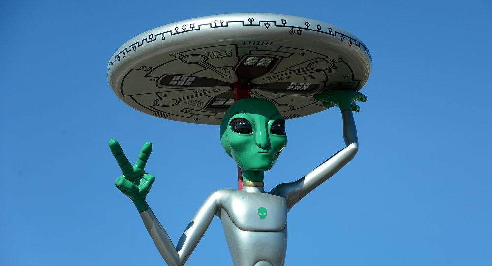 Scultura di extraterrestre in California