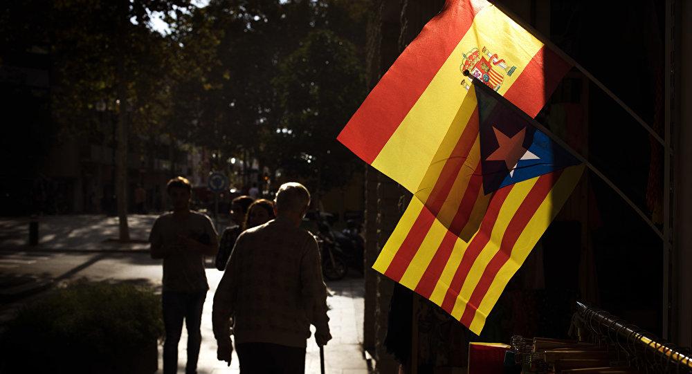 Bandiera catalana e spagnola