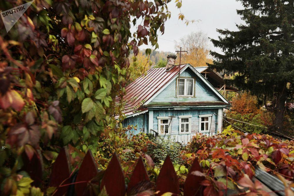 Una casa privata nella città russa di Ples.