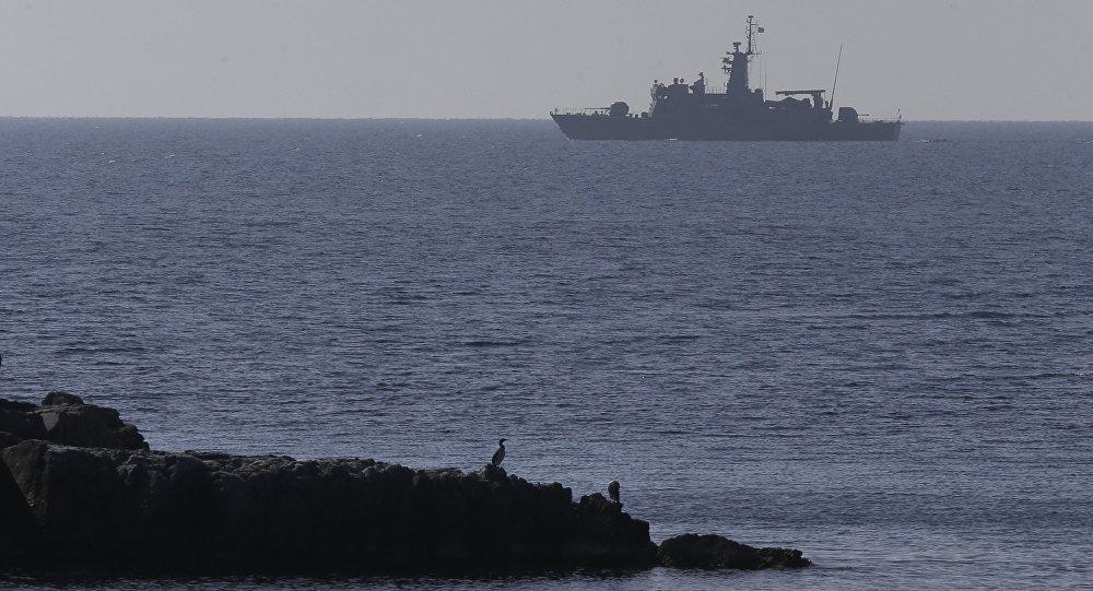 Nave greca nel Mar Egeo