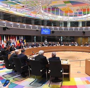 Ventitre Paesi Ue firmano l'accordo sulla cooperazione strutturata permanente nel settore della Difesa (PESCO)