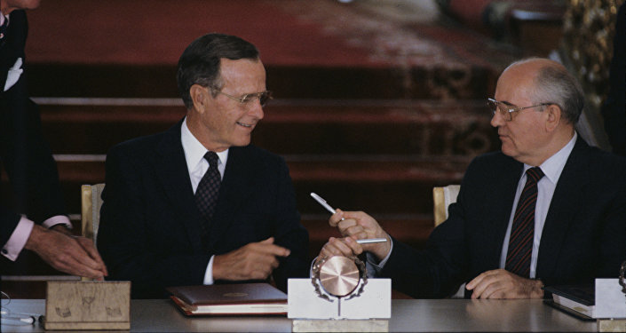Mikhail Gorbachev e George Bush senior