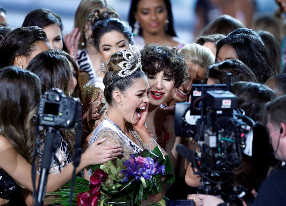 La rappresentatrice della Repubblica Centafricana Demi-Leigh Nel-Peters è diventata la Miss Universo 2017.