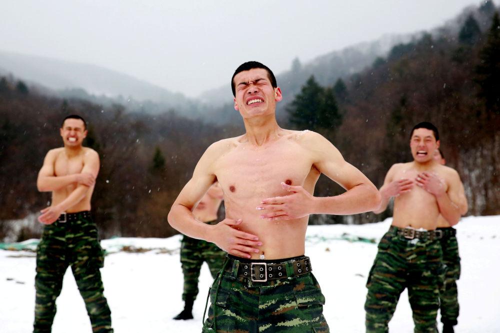 Soldati cinesi.