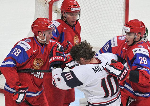 Un momento piuttosto acceso in un Russia-USA di hockey