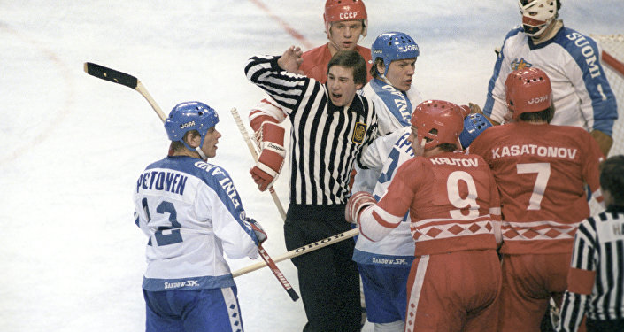 Una partita della nazionale dell'URSS di hockey alle olimpiadi invernali di Lake Placid 1980