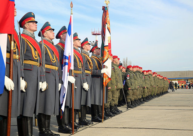 Battaglione della polizia militare russa torna dalla Siria