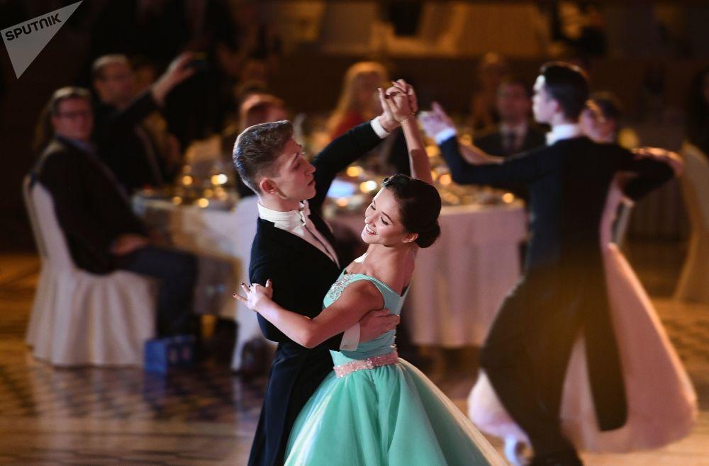 Una serata dedicata al 60o anniversario dello sport di danza in Russia.