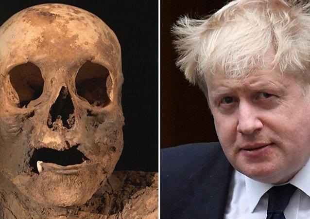 Ecco la mummia dell'antenata del ministro degli Esteri britannico Boris Johnson.