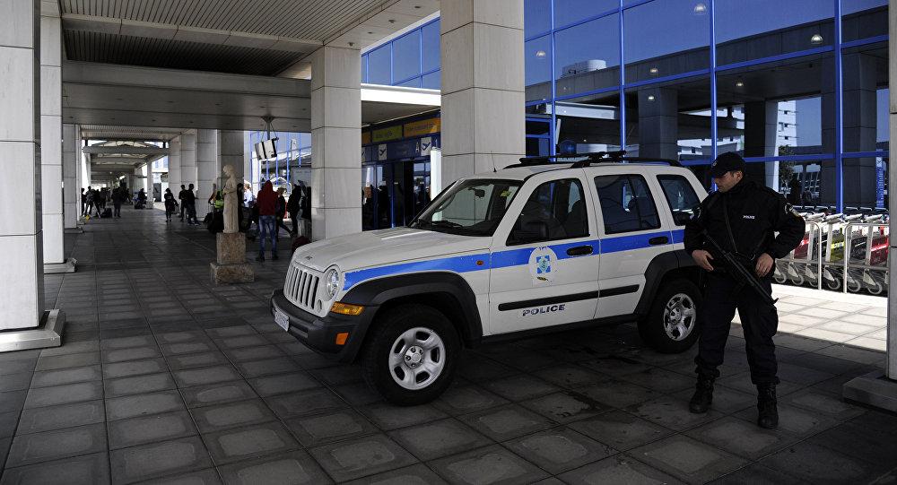 Polizia all'aeroporto Eleftherios Venizelos di Atene