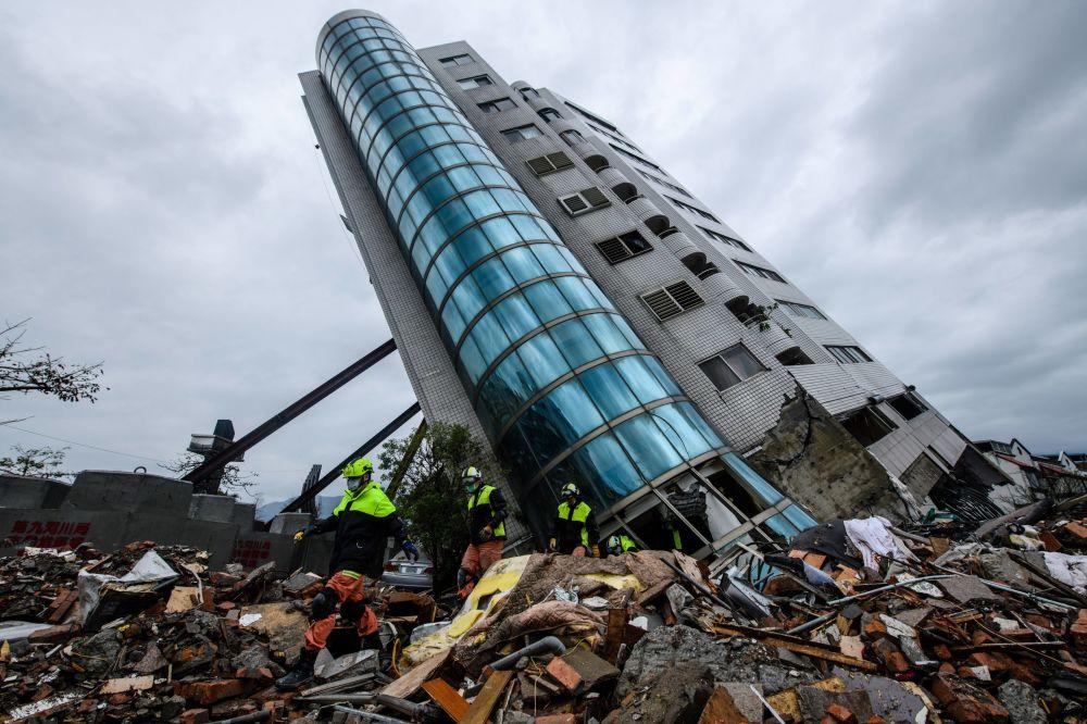 Le conseguenze del terremoto in Taiwan.