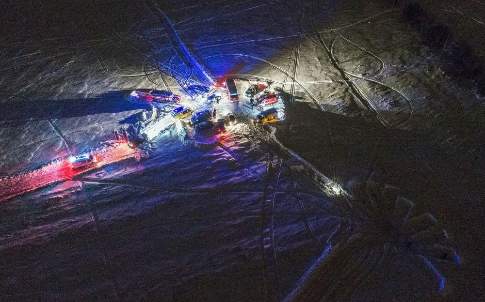 Al momento, circa 100 investigatori e specialisti di criminologia stanno lavorando sul luogo dello schianto.