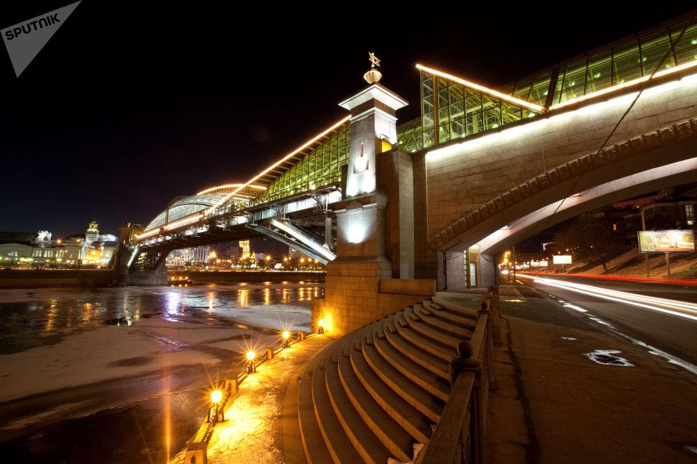 Mosca, bella di notte