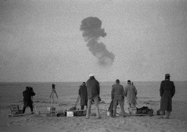 Test nucleare francese vicino Reggane, Algeria