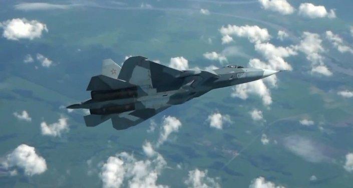Il jet PAK-FA in volo