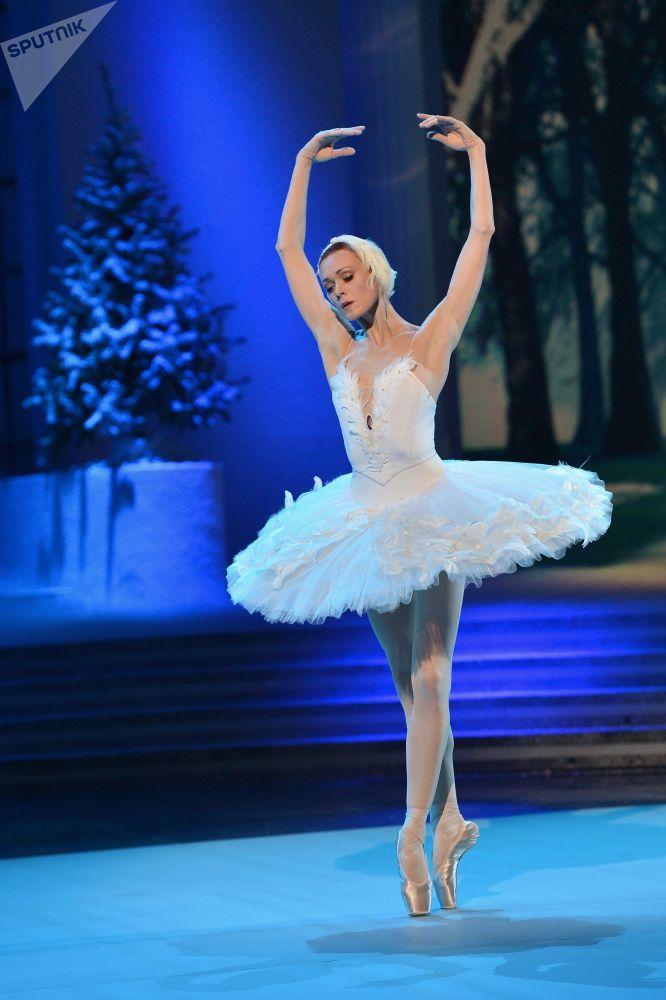 La bellerina Ulyana Lopatkina alla TV russa.