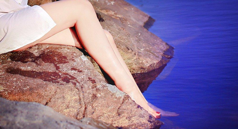 Lady's legs
