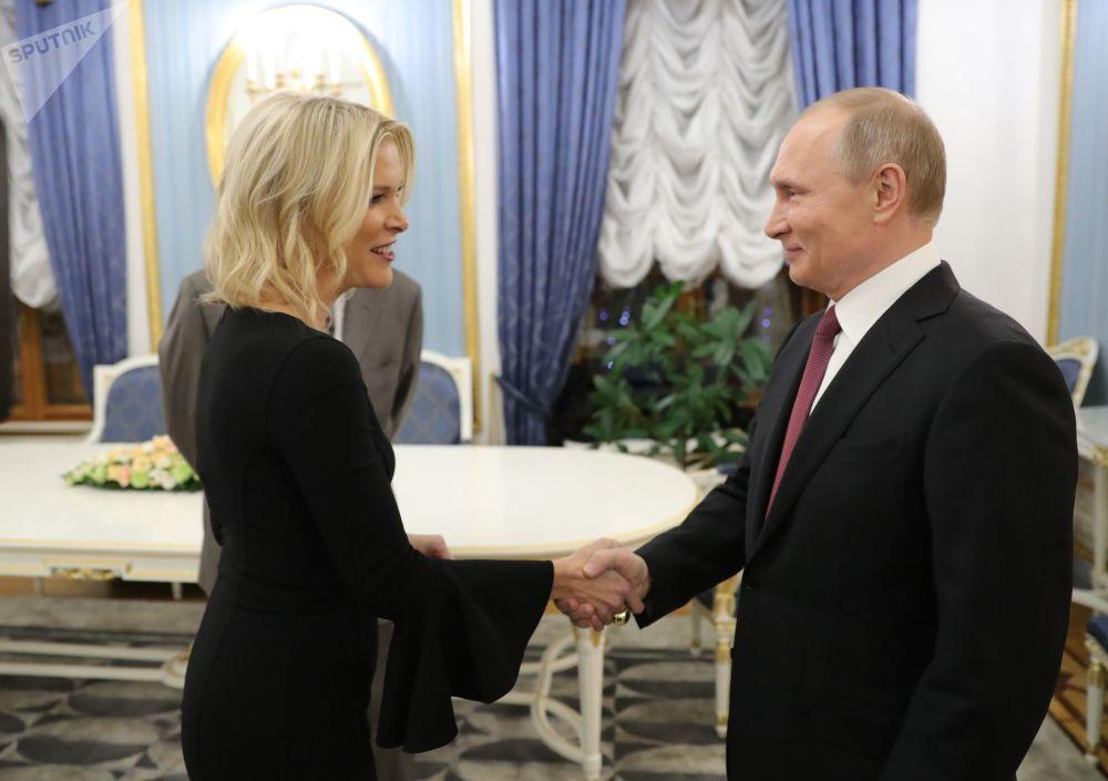Vladimir Putin con la giornalista della NBC Megyn Kelly.