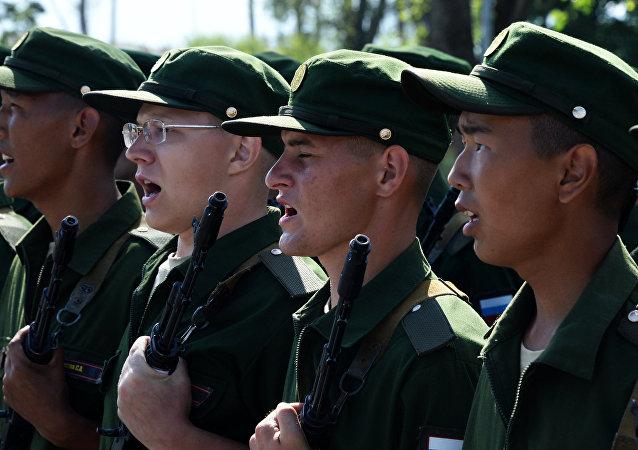 I membri di una brigata della fanteria motorizzata in Primorye