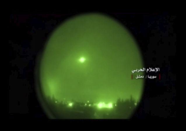 L'attacco notturno contro la Siria