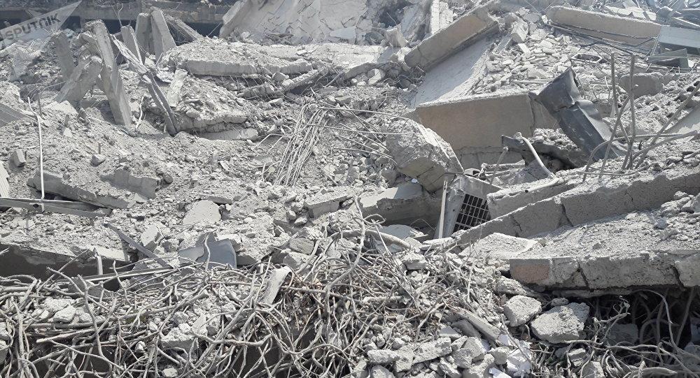 Ufficio di un centro ricerche militare a Barzeh distutto nel raid, provincia di Damasco, Siria