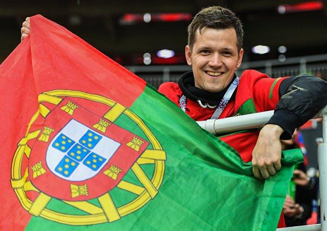 Un tifoso portoghese