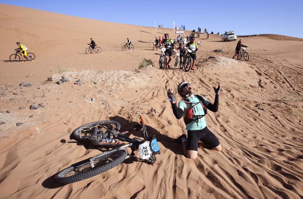 I partecipanti alla corsa in bicicletta Titan Desert 2018 in Marocco.