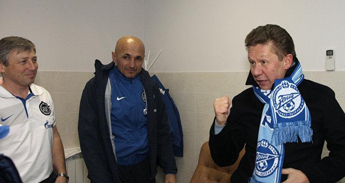 L'amministratore delegato di Gazprom Alexey Miller, insieme all'ex tecnico dello Zenit Luciano Spalletti