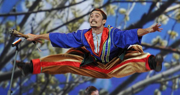 Esibizione del coro dei cosacchi del Kuban al Cremlino