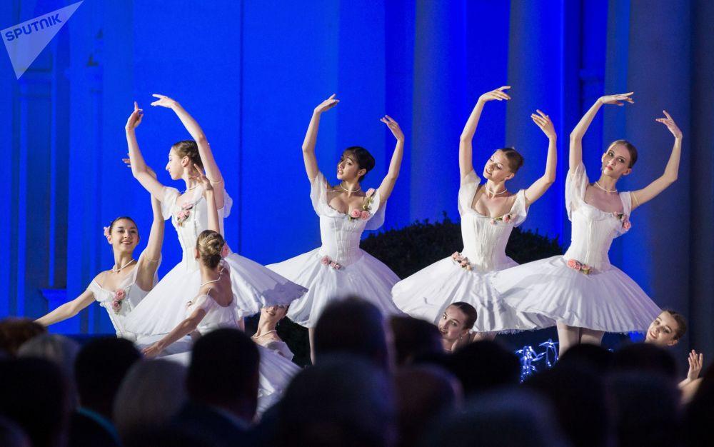 Il dodicesimo Festival internazionale Grande parola russa in Crimea.