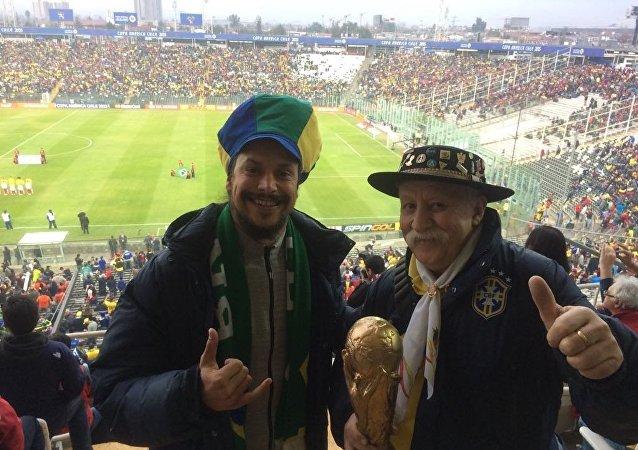 Clovis Fernandes con il figlio Frank