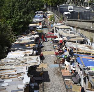Un campo nomadi a Parigi