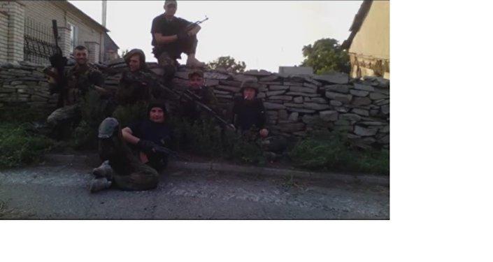 La squadra di ricognizione del reggimento Azov, Starabashevo. Sergey Sanovsky secondo a destra.