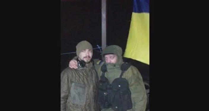 La base del reggimento Azov vicino a Mariupol. Sergey Sanovsky alla sinistra.