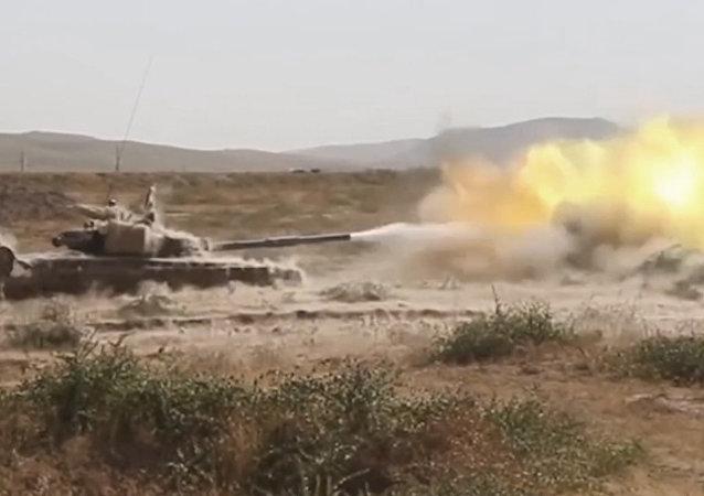 I militari russi hanno difeso la base dai terroristi