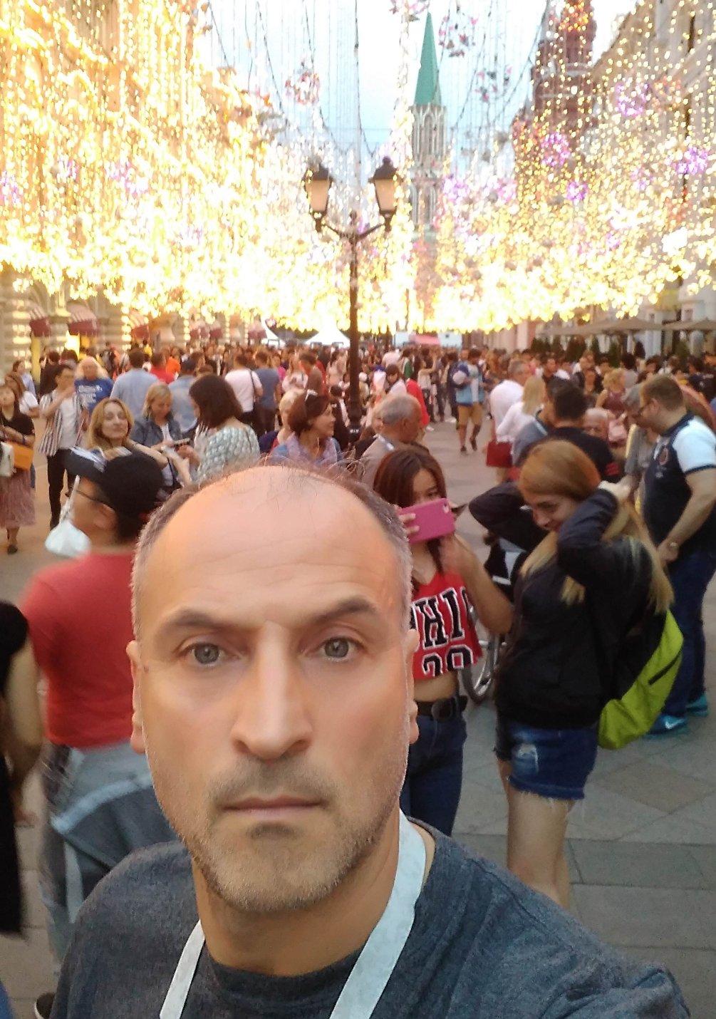 Vincenzo sulla via Nikolskaya a Mosca