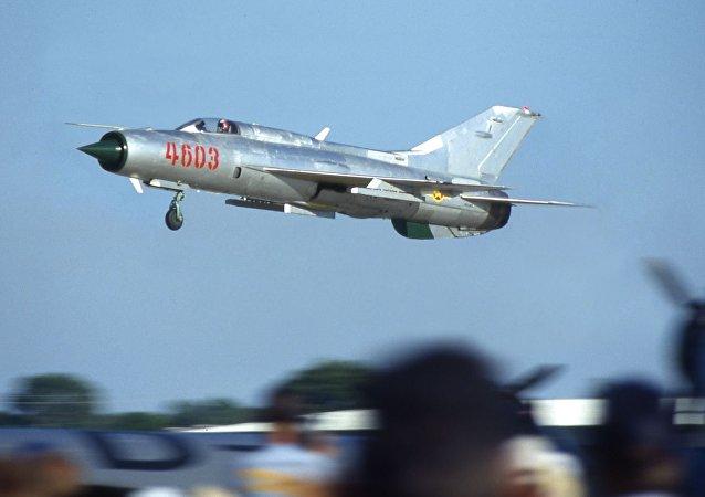 MiG-21 (foto d'archivio)
