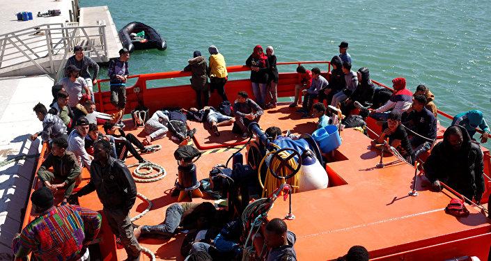 Migranti arrivano alle coste spagnole