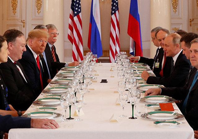 Il colloquio allargato tra le delegazioni statunitense e russa ad Helsinki